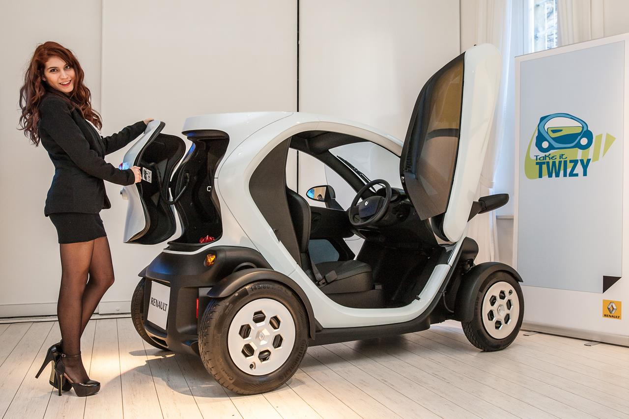 Concept PEUGEOT EXALT: una nuova edizione per il Salone dell'Auto di Parigi - image 002264-000021514 on https://motori.net