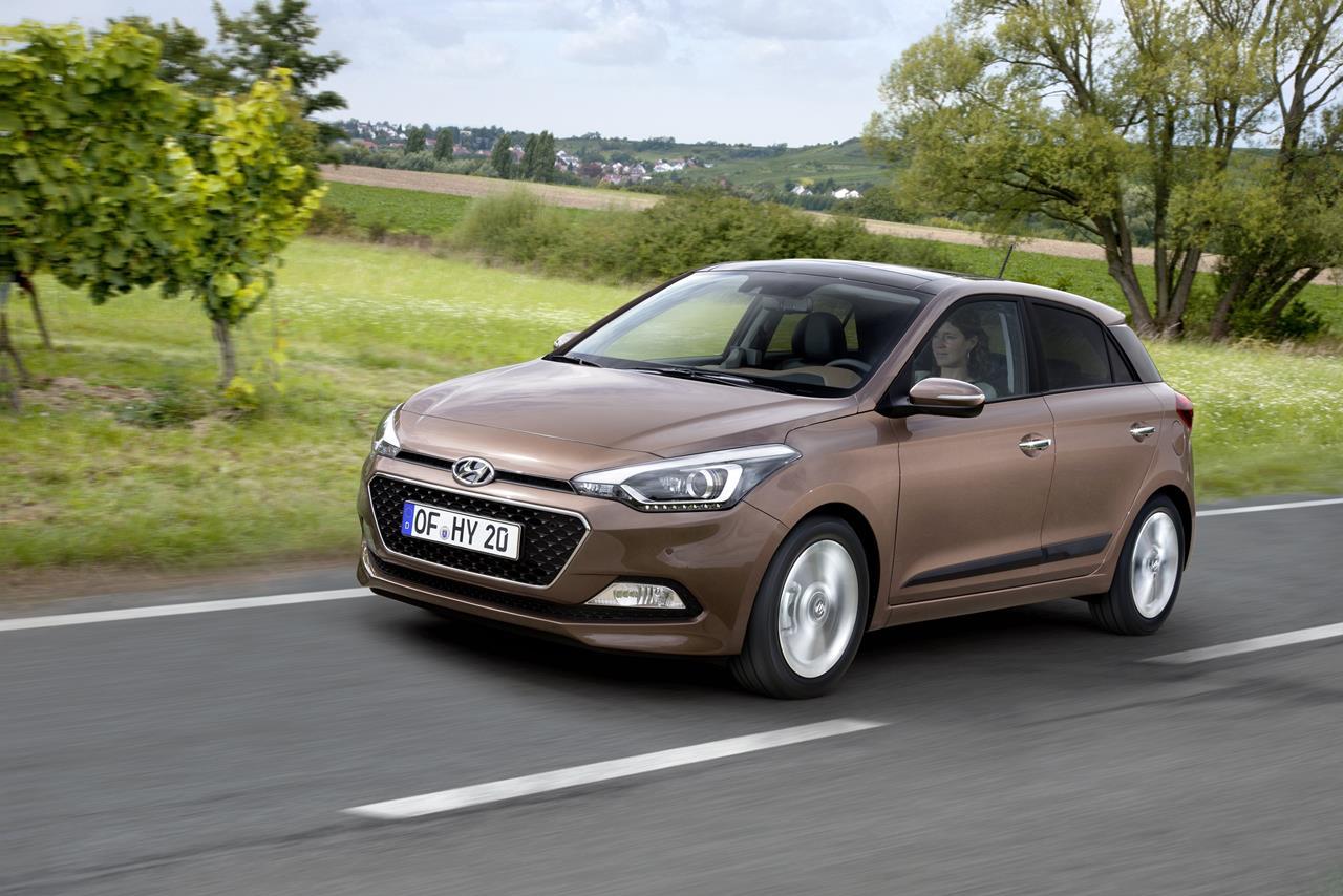 Hyundai e la Nuova Generazione i20, debutto al Salone di Parigi 2014 - image 003316-000031870 on https://motori.net
