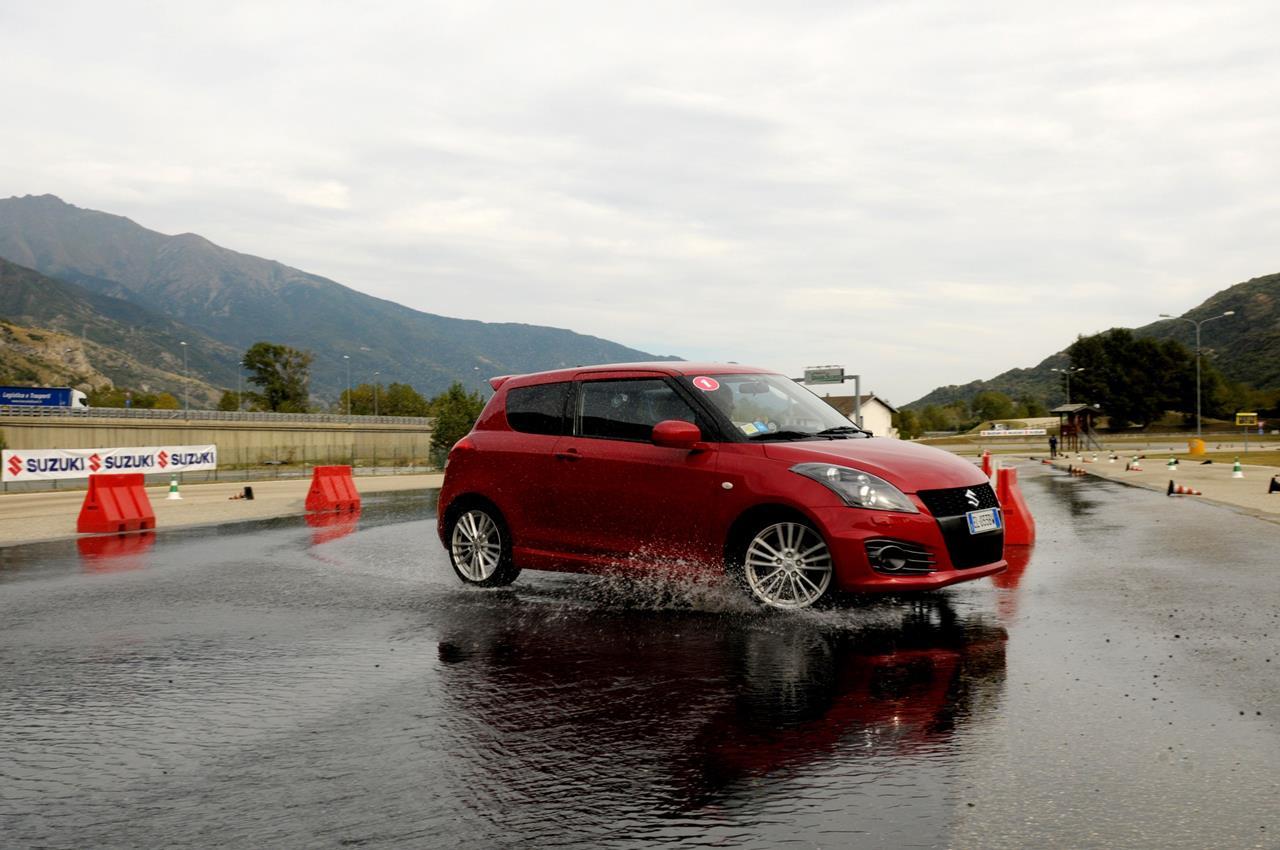 Civic Type R e la Supercar NSX sono i modelli Honda che debuttano al Motor Show di Ginevra 2015 - image 003369-000032178 on https://motori.net