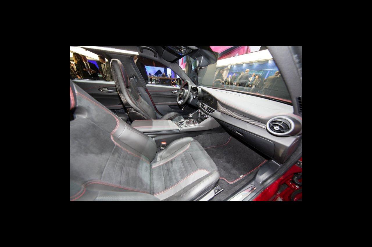 Nissan GRIPZ CONCEPT: a Francoforte 2015 - image 012214-000109383 on https://motori.net