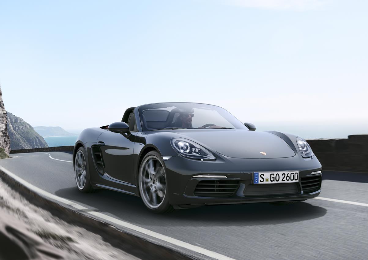 La nuova Porsche 718 Boxster con motore centrale a quattro cilindri - image 016543-000151744 on https://motori.net