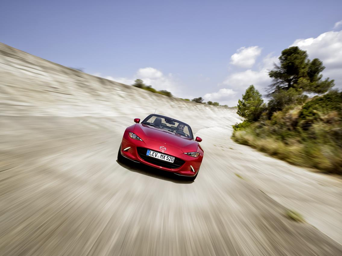 Per Mazda MX-5 arriva il nono premio - image 018580-000172027 on https://motori.net