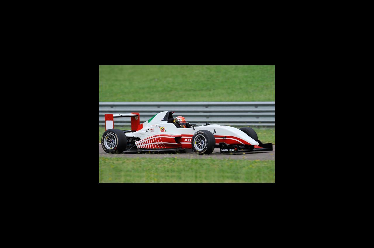Ferrari F1: amaro terzo posto per Vettel - image 019640-000182560 on https://motori.net