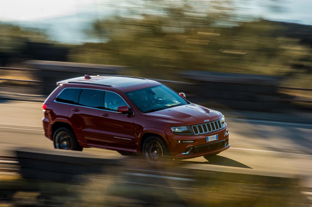 Grand Cherokee SRT, il SUV Jeep® più veloce e potente di sempre sulle strade dell'Etna - image 021817-000203729 on https://motori.net