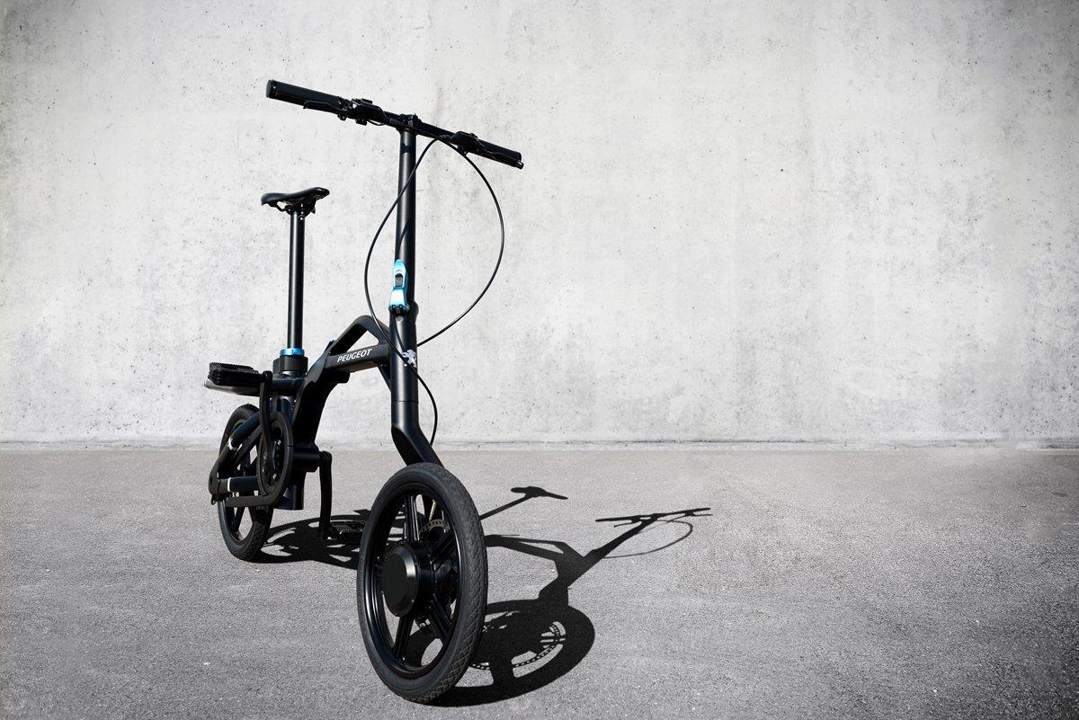 PEUGEOT eF01: la nuova era della mobilità urbana - image 021989-000204835 on https://motori.net