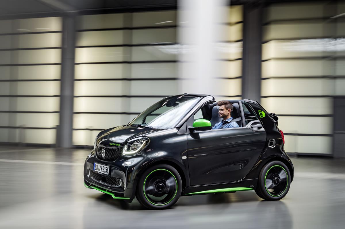 Première internazionale per la quarta generazione di smart electric drive - image 022027-000205168 on https://motori.net