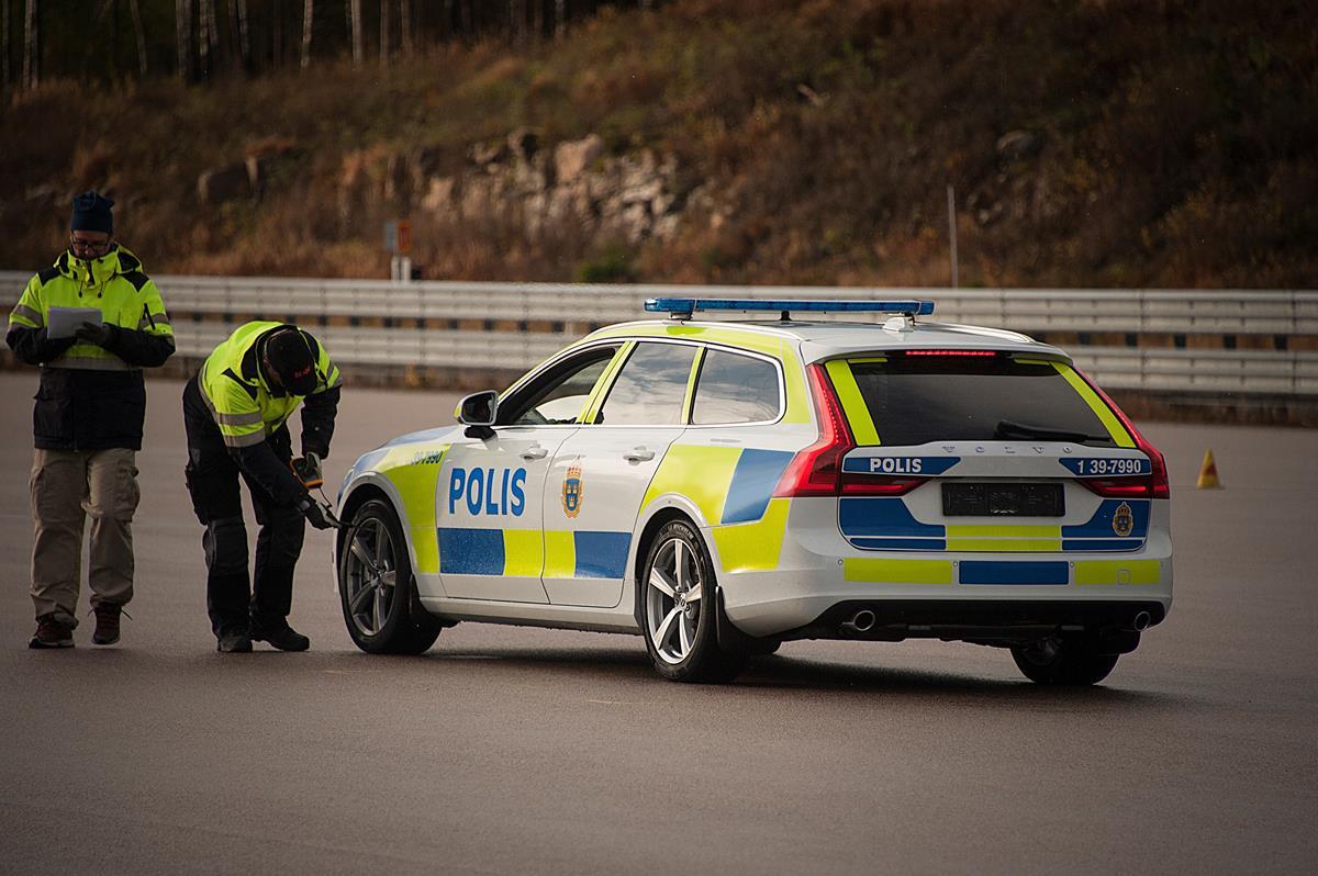 La V90 SW in dotazione alle forze dell'ordine: si parte con la polizia svedese - image 022161-000205843 on https://motori.net