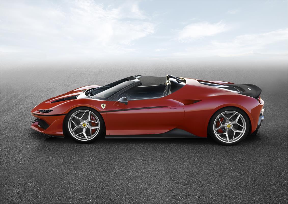 La nuova Ferrari J50 svelata a Dicembre - image 022211-000206043 on https://motori.net