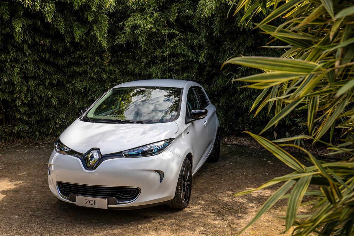Renault Zoe: autonomia record di 400km - image 022394-000206923 on https://motori.net