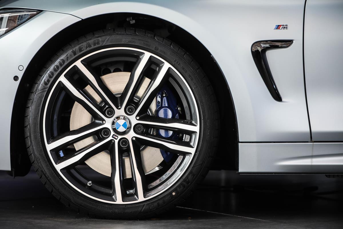 Nuova BMW Serie 4 ICONIC 4 EDITION - image 022481-000207617 on https://motori.net