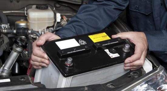 Quale batteria comprare per la tua auto? Come scegliere quella più adatta? Ecco una guida all'acquisto di auto.motori.net