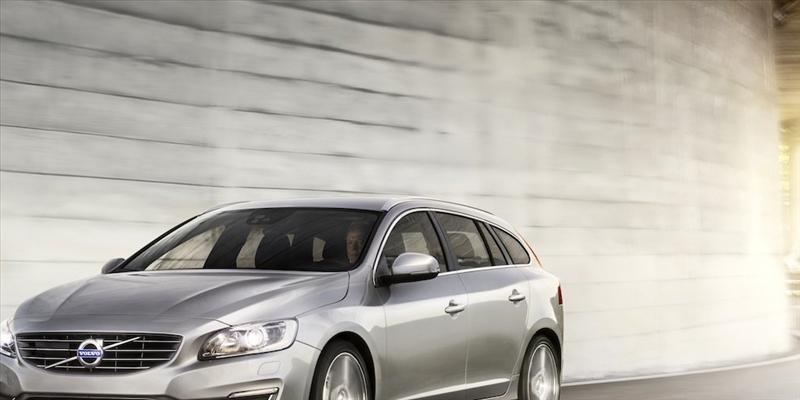 Listino prezzi Volvo V40 2017 - image 31077_1_big on https://motori.net