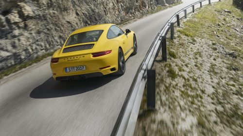La nuova Porsche 911 Carrera T - image P17_0887_a5_rgb-500x280 on https://motori.net