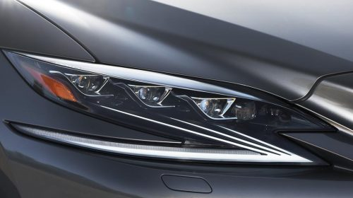 Lexus presenta la nuova LS Hybrid - image 302-lexus-ls500h-manganese-detail-500x280 on https://motori.net