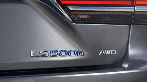 Lexus presenta la nuova LS Hybrid - image 304-lexus-ls500h-manganese-detail-500x280 on https://motori.net