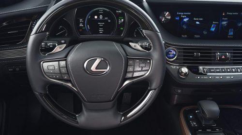 Lexus presenta la nuova LS Hybrid - image 320-lexus-ls500h-manganese-detail-500x280 on https://motori.net