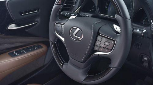 Lexus presenta la nuova LS Hybrid - image 327-lexus-ls500h-manganese-detail-500x280 on https://motori.net