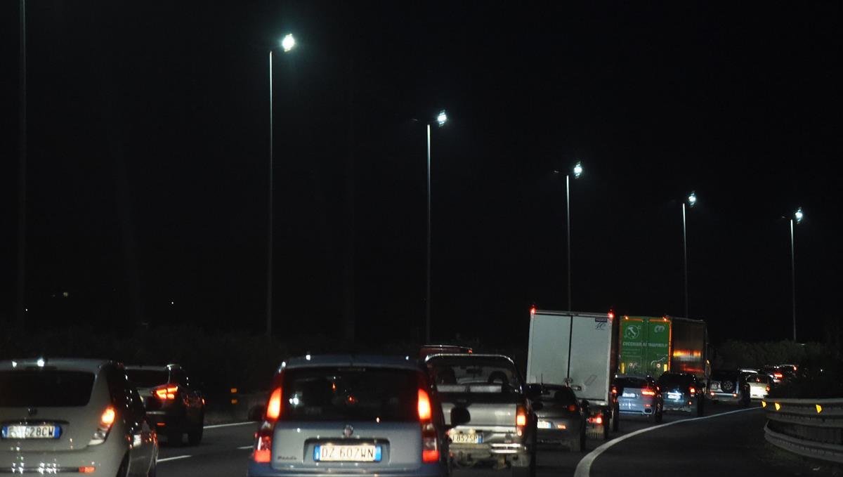 200 nuovi distributori di gas naturale in Italia - image notte-3 on https://motori.net