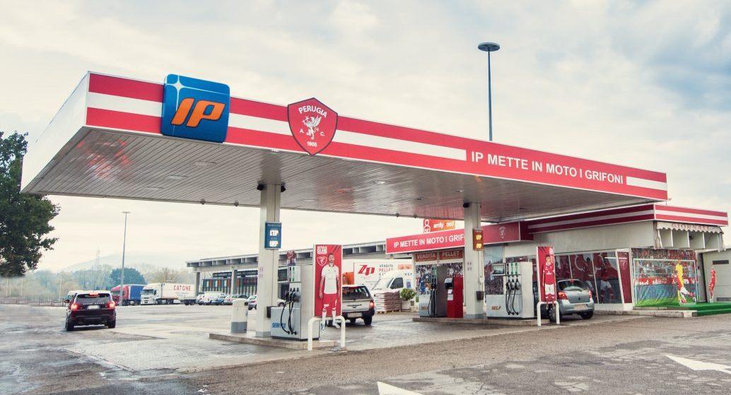 200 nuovi distributori di gas naturale in Italia - image snam-api on https://motori.net