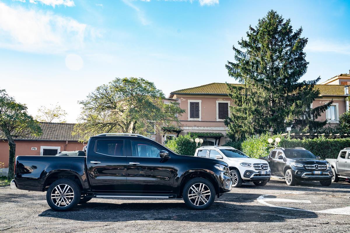 Il SUV giusto per completare la grande offensiva di prodotto - image Mercedes-Benz-Classe-X-350-d-4MATIC-Italian-Driving-Presentation-18 on https://motori.net