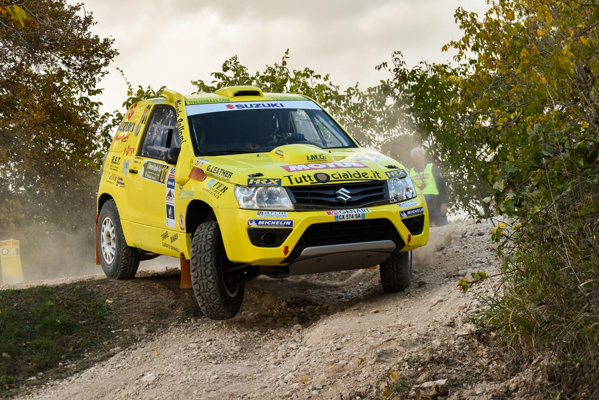 Suzuki domina il Cross Country italiano - image codeca on https://motori.net