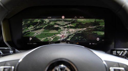 Bosch realizza il primo quadro strumenti curvilineo al mondo - image db2018au00461-large-500x280 on https://motori.net