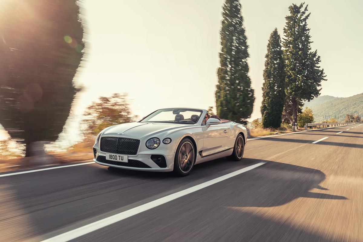 "Nuova granturismo cabriolet ""by Bentley"" - image Bentley-Continental-GT-Convertible-12 on https://motori.net"