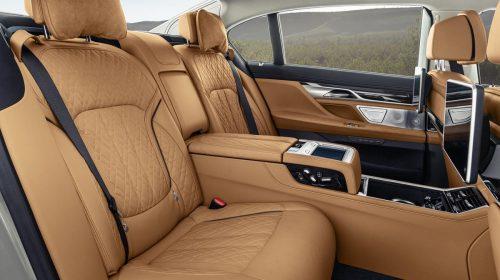Nuova BMW Serie 7, una chiara dichiarazione diintenti - image P90333075_highRes_the-new-bmw-7-series-500x280 on https://motori.net