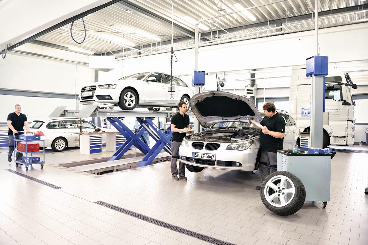 Nuova Jaguar XE: berlina compatta, guida sportiva - image 2017-01-12_ZF_Aftermarket on https://motori.net
