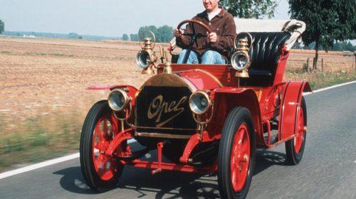 "110 anni fa l'""automobile per tutti"" - image Opel-Docktorwagen-53753-500x280 on https://motori.net"
