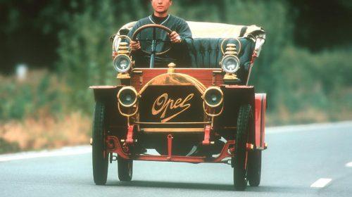 "110 anni fa l'""automobile per tutti"" - image Opel-Docktorwagen-53771-500x280 on https://motori.net"