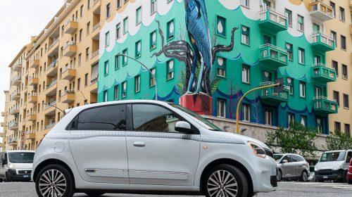 Agile, cool, connessa: ecco la nuova Renault Twingo - image 21227059_CS_-_Nuova_TWINGO_La_streetcar_innovativa_e_connessa_che_d_colore_e-500x280 on https://motori.net