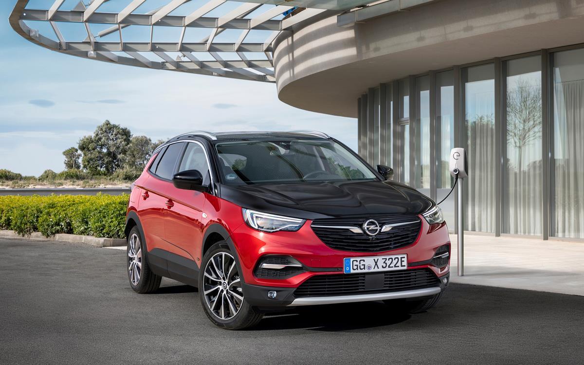 VW T-Cross si completa con il 1.6 TDI da 95 CV - image Opel-Grandland-X-Hybrid4-506692 on https://motori.net