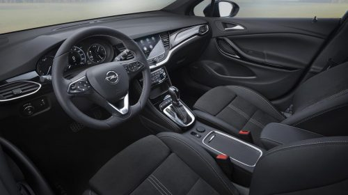 L'Astra più efficiente di sempre - image en_Opel-Astra-Interior-507811-500x280 on https://motori.net