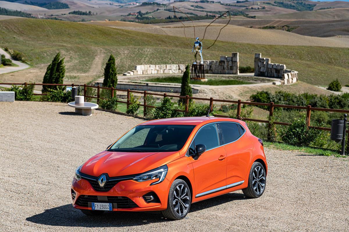 Molto più nuova di quanto appare a prima vista - image 21231786_Cs_-_Nuova_Renault_CLIO_The_best_Clio_ever on https://motori.net