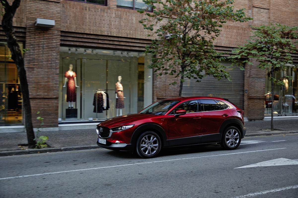 Mazda CX-30: 100% crossover - image Mazda_CX-30_Girona2019_Action_20 on https://motori.net