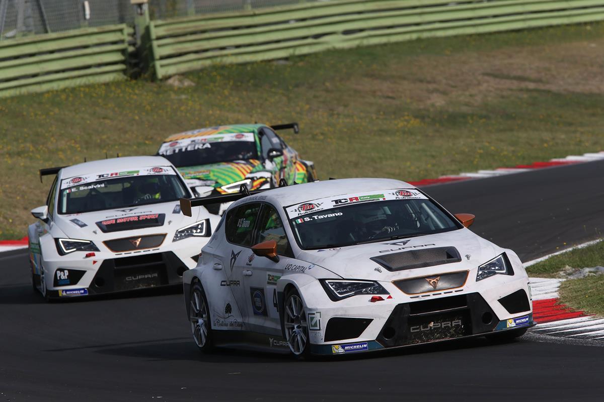 5 stelle per Audi, BMW, Ford, Mercedes. Skoda, e Sangyong - image Salvatore-Tavano-in-azione-sulla-sua-CUPRA-Vallelunga-2019 on https://motori.net