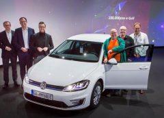 La nuova VW e-up! - l'up-grade - image Consegnata-la-Volkswagen-eGolf-numero-100000-240x172 on https://motori.net