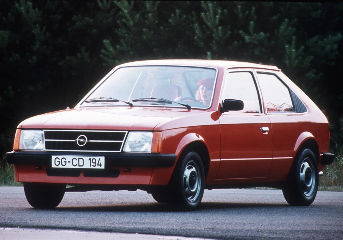Captur si rinnova... e attende l'ibrido - image 1979-Opel-Kadett on https://motori.net