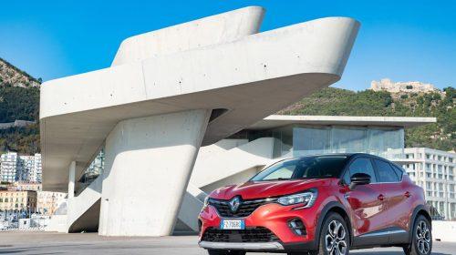 Captur si rinnova... e attende l'ibrido - image 21237934_CS_-_Nuovo_Renault_CAPTUR_l_innovazione_diventa_rivoluzione-500x280 on https://motori.net