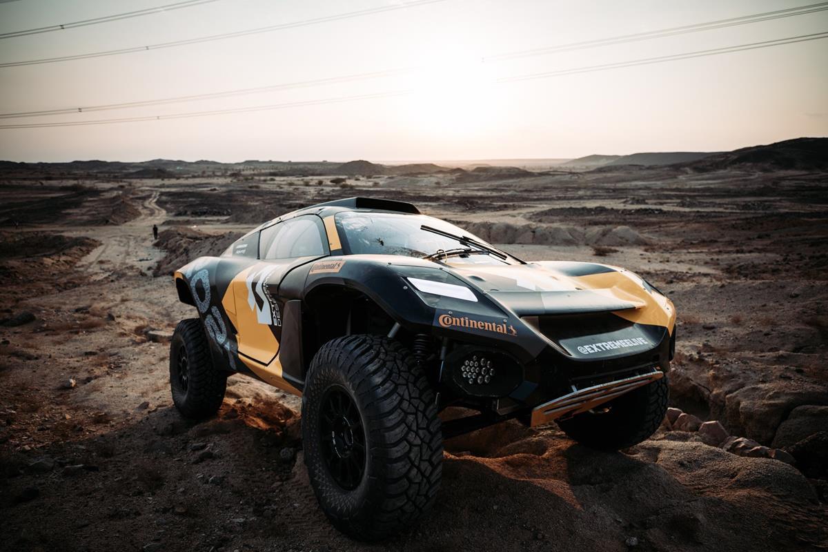 Captur si rinnova... e attende l'ibrido - image Odyssey21-Extreme-E-@-Dakar on https://motori.net