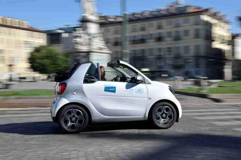 BMW conferma l'impegno nella tecnologia fuel cell - image SHARE-NOW on https://motori.net