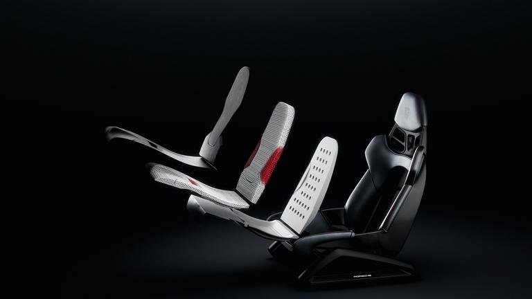 100 anni Suzuki: tradizione e innovazione - image sedile-Porsche on https://motori.net