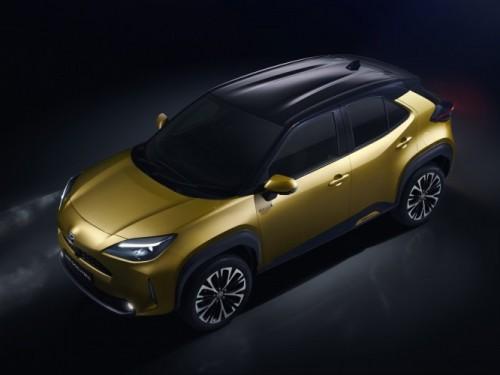 Toyota Yaris si veste da SUV - image 500_toyota-new-yaris-cross-high-front-left on https://motori.net