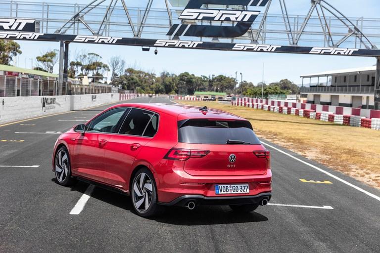 BMW Group utilizza soluzioni AI per aumentare la qualità della verniciatura - image Golf-8-GT on https://motori.net