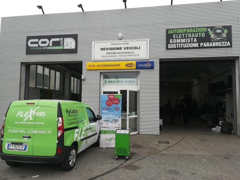 """Come pulire il motore dopo la sosta del """"lockdown"""" - image Hy-Carbon-furgone-assistenza-Flexfuel on https://motori.net"""