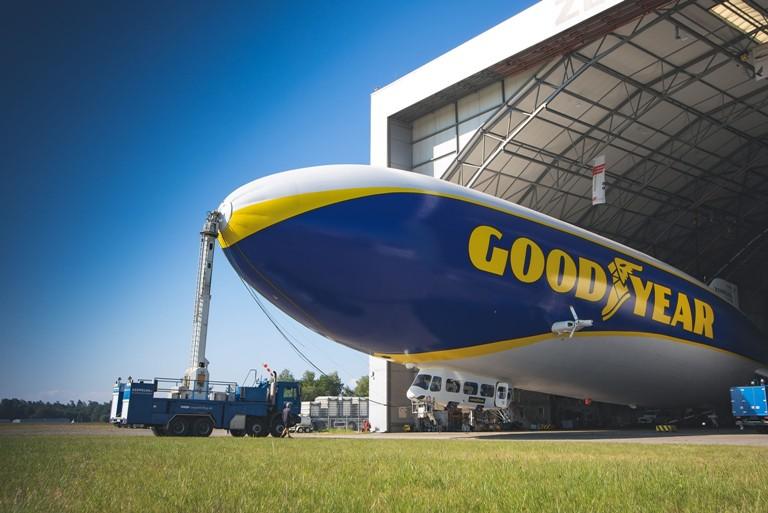 Il dirigibile Goodyear a Milano! - image dirigibile-Goodyear on https://motori.net