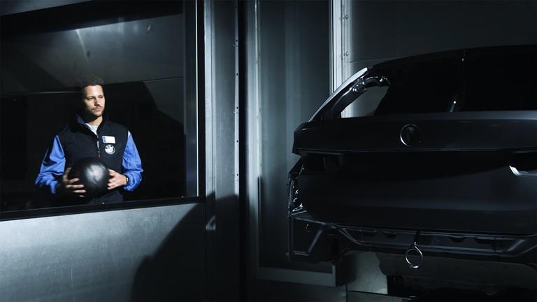 BMW Group utilizza soluzioni AI per aumentare la qualità della verniciatura - image ferdinand-klebert on https://motori.net