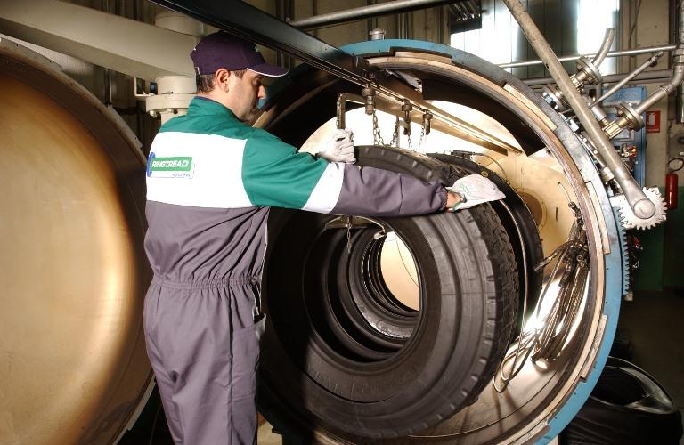 Risparmiati 54,8 milioni di Euro grazie ai pneumatici ricostruiti - image ricostruiti on https://motori.net