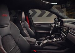 Opel Zafira-e Life: ammiraglia zero emissioni per viaggi esclusivi - image Alcantara-_-Porsche-240x172 on https://motori.net